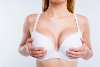 Reducción de mamas: todos los detalles sobre el postoperatorio